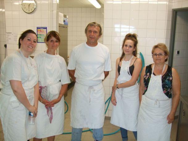 Le chef de cuisine Michel Houillon et son équipe