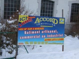 Le panneau mis en place début 2015 concernant les bâtiments situés le long de la route menant vers Remiremont