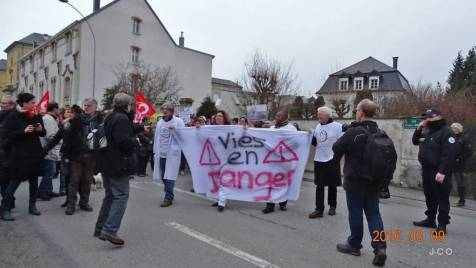 Manifestation Maintien Maternit+® +á Remiremonr (39)