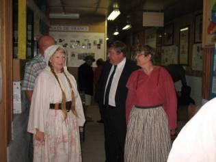 Mr Vannson accueilli par Monique et Isabelle