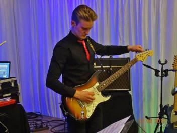 12 Guitariste