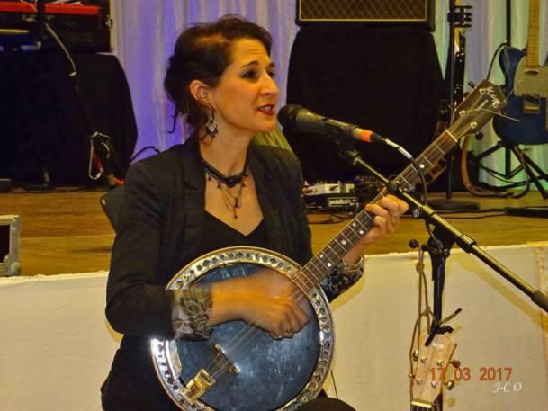 31 Musicienne-Chanteuse