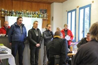 lecture palmarès droite à gauche Isabelle, notre député, mr Wary et mr Millotte