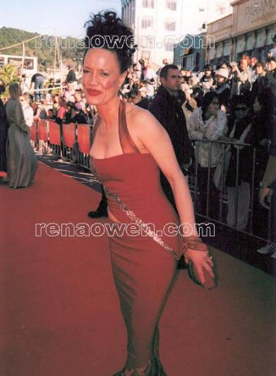 Rena shmoozing on the red carpet