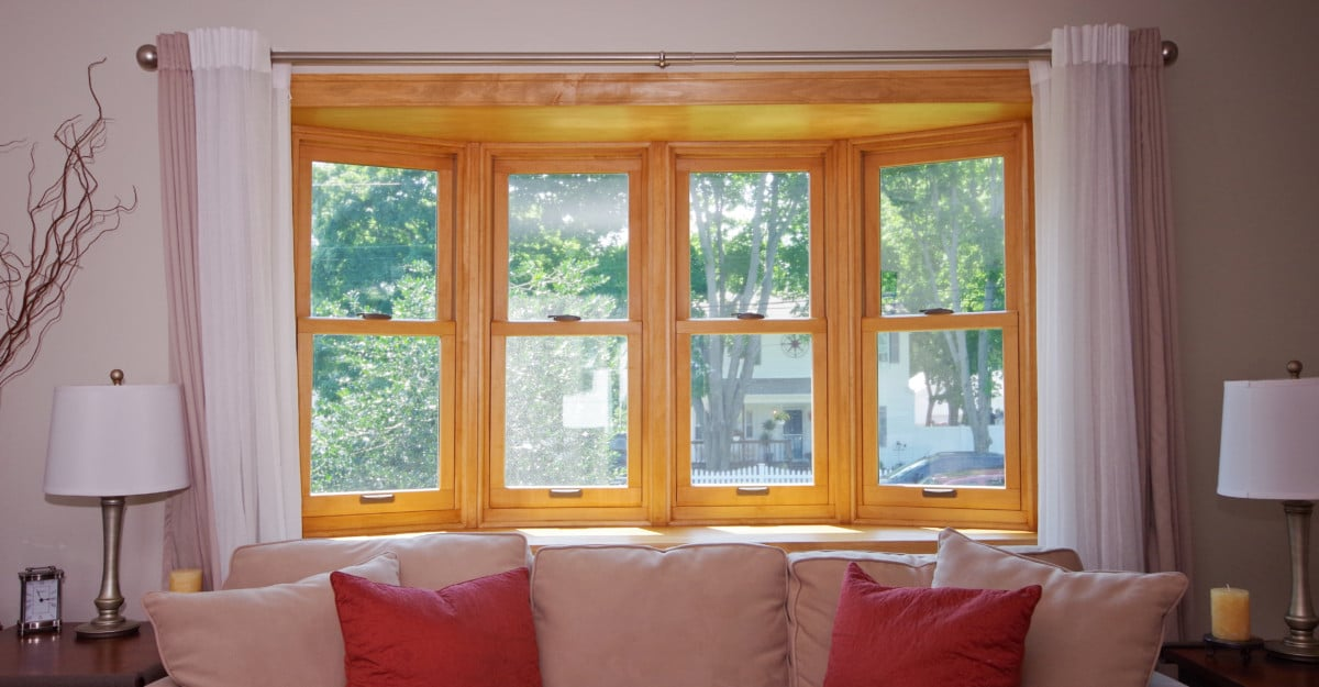 Why double hung replacement windows are so popular in new for Double hung window reviews