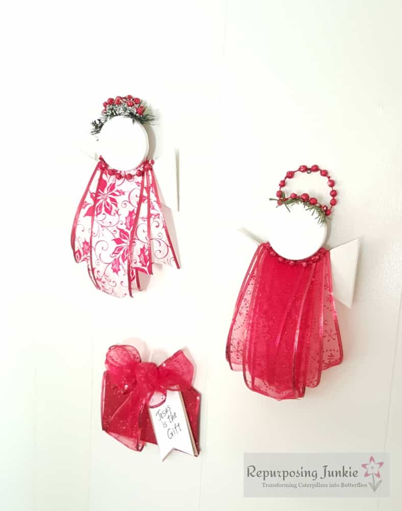 Repurposed Ceiling Fan Blades Into Christmas Decor
