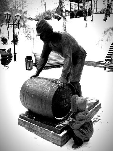Памятник пивовару Коюгеру, Достопримечательности Томска
