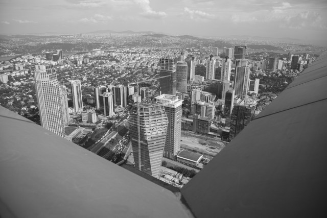 Панорама Стамбула, небоскреб Сапфир, 2013