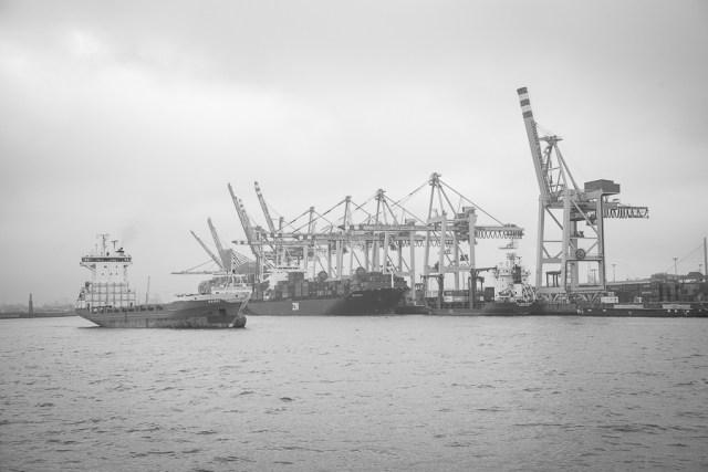 Порт. Гамбург, 2012