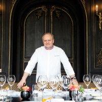 Joël Robuchon ouvre une école gastronomique internationale