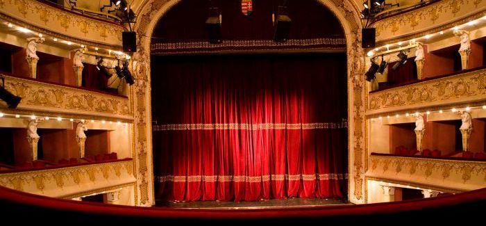 Most érkezett! Rossz hírt közölt a budapesti színház