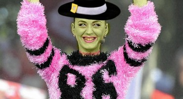 katy_perry_nfl_witch
