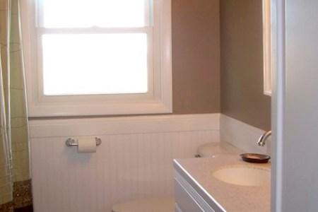 17a byron ny bathroom