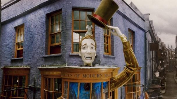 "Loja de ""Magias Mirabolantes dos Weasley"", na Diagon-Al"