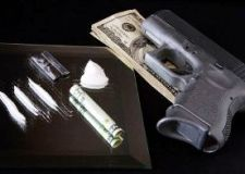 cocaine-money-and-guns1