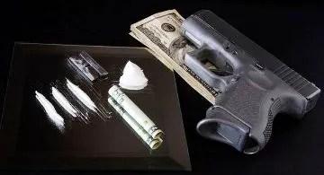 cocaine-money-and-guns1