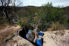Tanques de metanfetaminas ocultos en la sierra del estado de Nayarit.