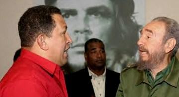 Chávez y Castro, y en medio de ellos dos, el Che como un dios (el seguroso no cuenta).