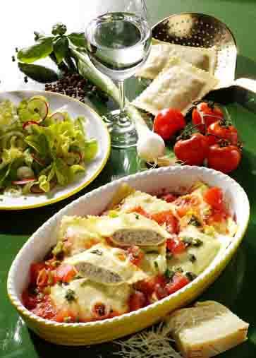 Hausmannskost: Maultaschen mit Fleischfüllung in Tomaten-Sauce Foto: Wirths PR
