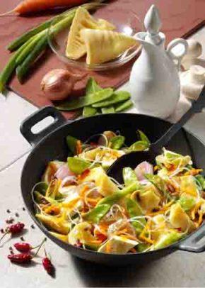 Asiatische Gemüsepfanne mit Tofu (für Diabetiker) Foto: Wirths PR