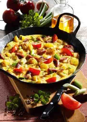 Kartofffelgerichte: Kartoffel-Omelette mit Wurst Foto: Wirths PR