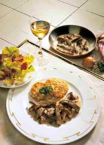 Kartoffelgerichte: Kalbsgeschnetzeltes mit Rösti Foto: Wirths PR