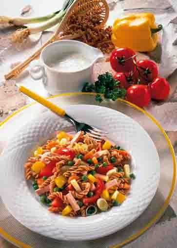 Nudel-Rezepte: Bunter Nudelsalat Foto: Wirths PR