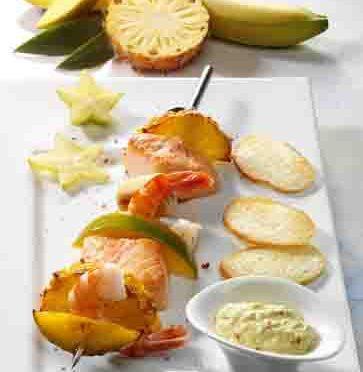 Krabben-Lachs-Spieße mit exotischem Dip (cholesterinarm) Foto: Wirths PR