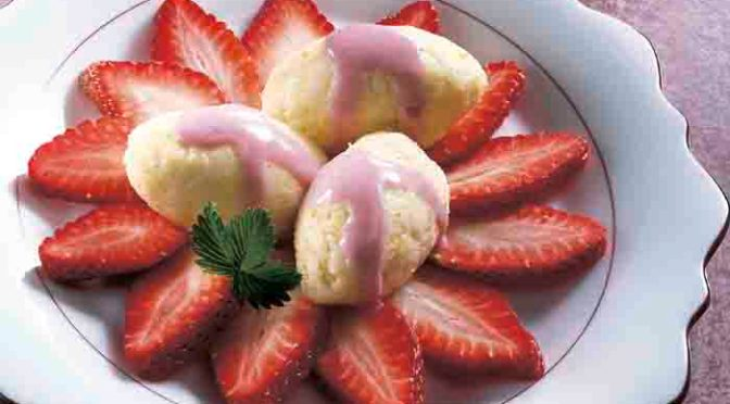Grießnockerln mit Erdbeeren Foto: Wirths PR