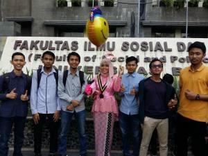 11 Fenomena Menarik Wisuda Mahasiswa