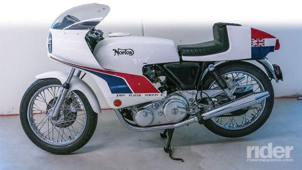 1974 Norton Commando 850 John Player Replica.