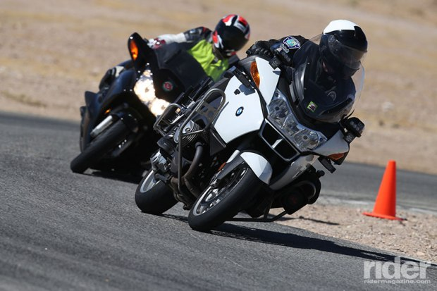 CLASS also does law enforcement training. Here, an instructor follows a police officer around a turn. (Photo: etechphoto.com)