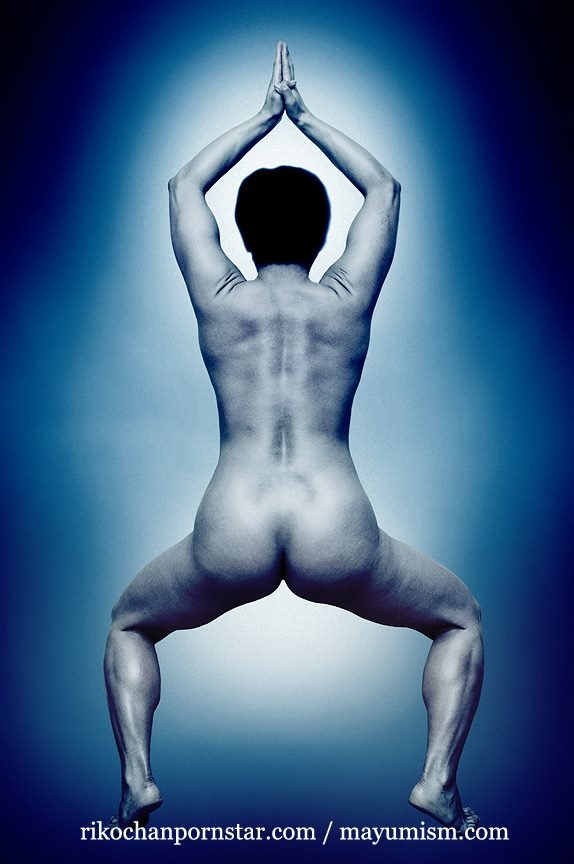 Amateur FBB and porn maker Rikochan posing nude.