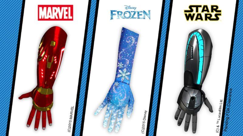 Prótesis biónicas de Avengers y Star Wars a favor de los niños