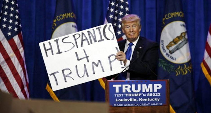 160826-trump_hispanics