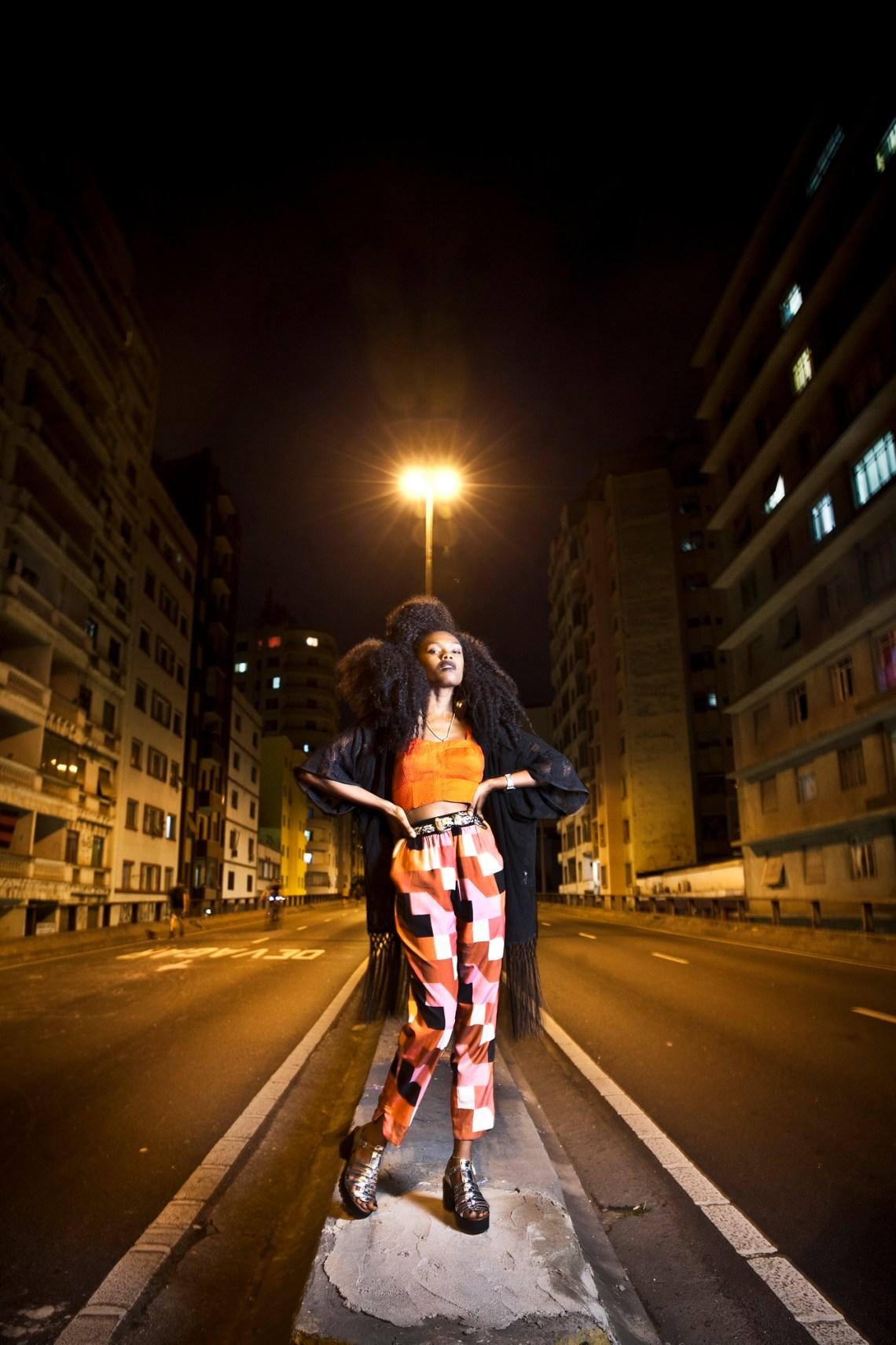 SÃO PAULO, SP, BRASIL, 10-10-2015, 19h: Retrato da cantora Xênia França. (Foto: Lucas Lima/riscafaca).