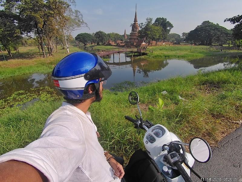 Exploring the ruins of Ayutthaya