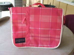 JANSPORT MARKET STREET MESSENGER BACKPACK PINK PREP / VANILLA ICE WHITE RHINO PLAID