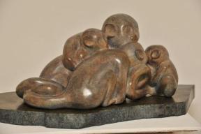 sculpture d'une famille de singes - Saïmiri de Dominique Rivaux