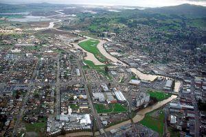 512px-Petaluma_California_aerial_view