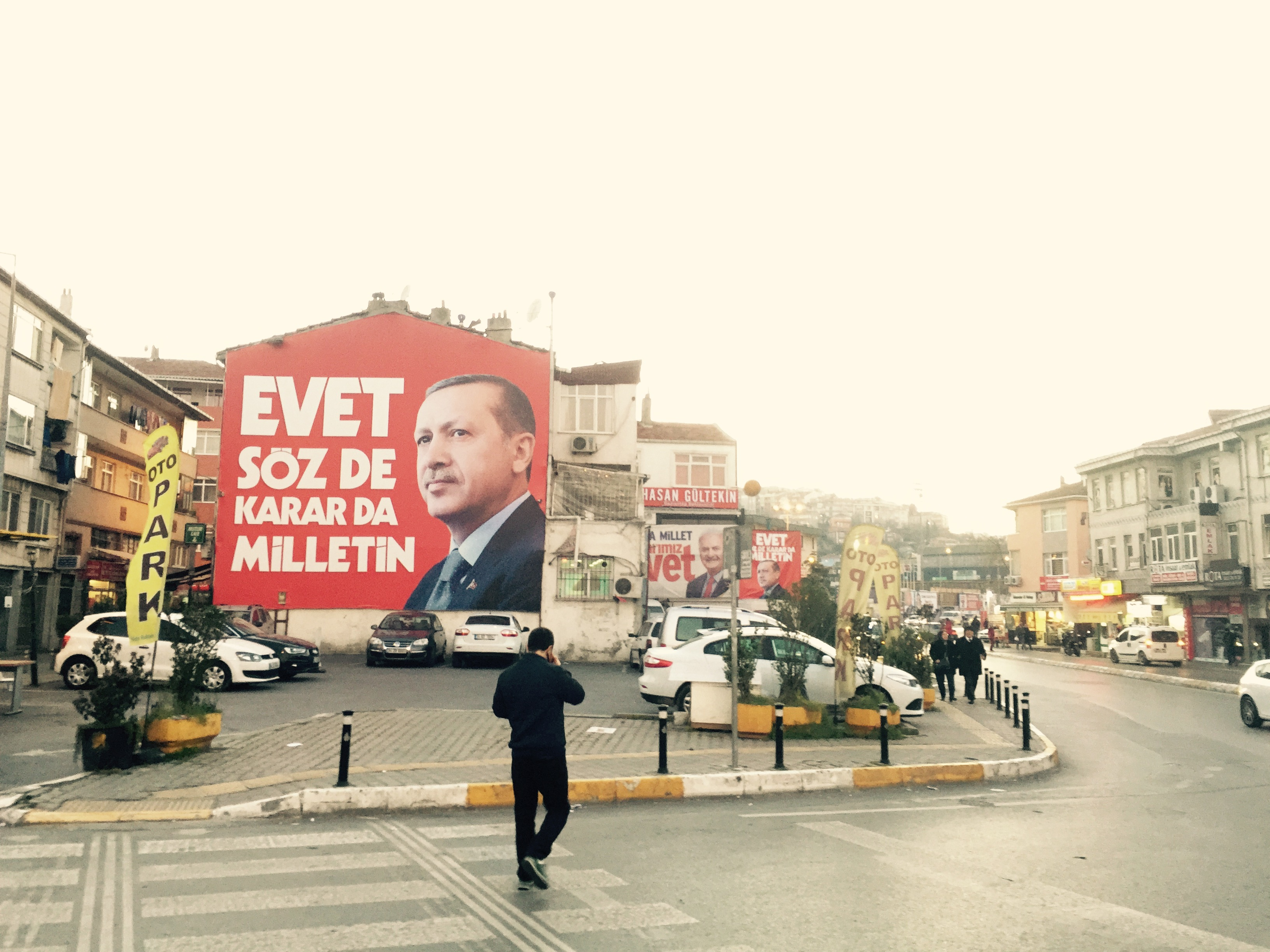A building-sized portrait of President Erdogan for the Evet campaign. All
