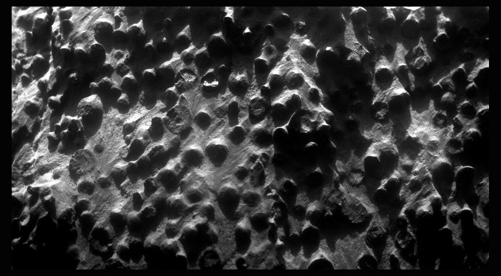 Opportunity zooms in on Fin outcrop (4/4)