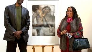 Lawrence McCray en Margit Junge met een Glossy van Rob Scholte in Amsterdam Art Center