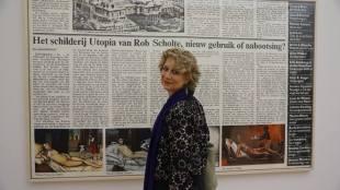 Joyce Roodnat bij Rob Scholte's Nostalgia in Museum De Fundatie te Zwolle (foto Erik van Zuylen/Facebook)