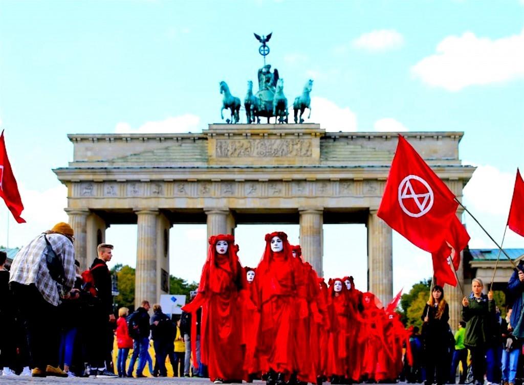 Red Brigade before the Brandenburger Tor in Berlin (foto talesofyoni)
