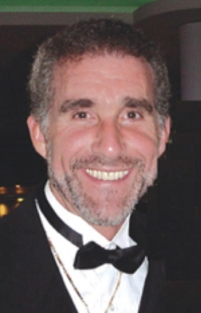 Award-winning doctor, author and filmmaker, Dr. Leonard G. Horowitz (foto Before It's News)