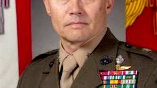 Brigadier General, US Marine Corps Commanding General, Task Force Iraq, William H. Seely III (foto Wikipedia)