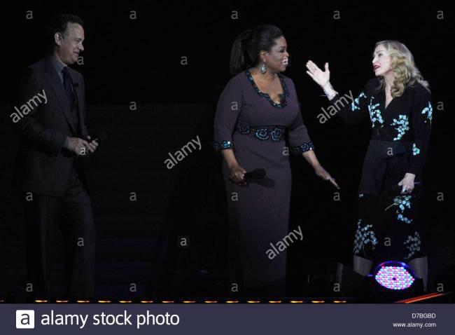 Tom Hanks, Oprah Winfrey and Madonna during surprise Oprah! farewell (foto Alarmy)