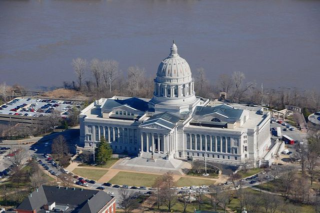 Missouri-Capitol[1]