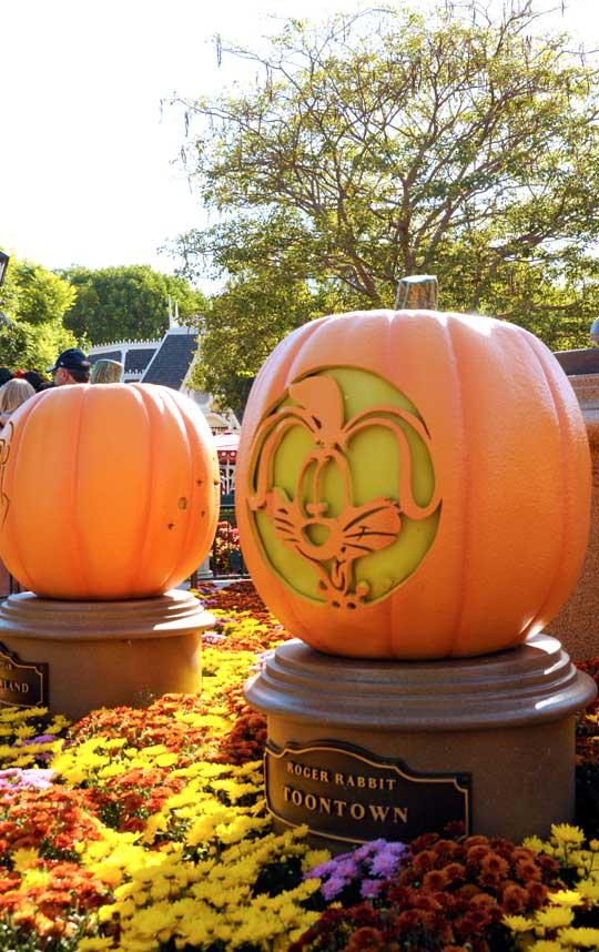 pumpkins-at-disneyland